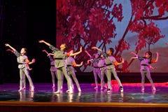 De de Dansacademie die van Peking van Kinderen` s Korpsen van het de dansonderwijs van test opmerkelijke kinderen ` s de voltooii stock fotografie