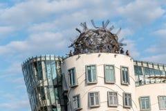 De dansende bouw van het huisbureau in Praag Stock Fotografie