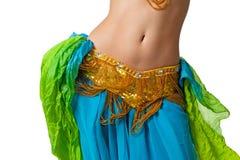 De danser die van de buik haar heupen schudt Stock Foto's