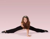 De danser van de geschiktheid op roze Royalty-vrije Stock Afbeelding