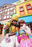 De dansers in kostuums nemen aan een parade deel Royalty-vrije Stock Fotografie