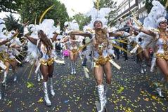 De dansers van de Paraiso-School van Samba drijven Stock Foto's