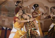 De dansers van India stock afbeeldingen