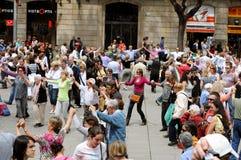 De dansers van Sardana, Barcelona royalty-vrije stock afbeelding