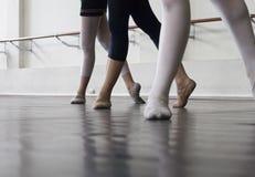De danspraktijk van het ballet royalty-vrije stock fotografie