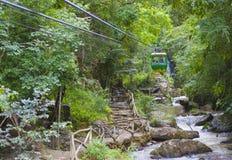 De Datanla-waterval dichtbij Dalat, in Vietnam Stock Afbeelding