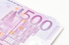 ¬ de 'de 500 â La pile d'euro d'argent affiche des billets de banque Euro devise de Photo libre de droits