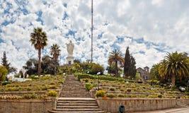 De de cristobal heuvel omringde tuinen en wolken van San Stock Foto's