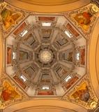 Binnen de Kathedraal van Salzburg royalty-vrije stock foto's