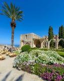 de 13de eeuw Gotisch klooster in Bellapais, noordelijk Cyprus 2 stock afbeelding