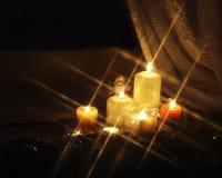 De de fonkelende kaarsen en Kerstman van Kerstmis Royalty-vrije Stock Afbeeldingen