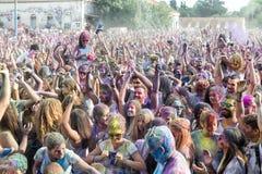 de 3de gebeurtenis van de Kleurendag in Thessaloniki Griekenland Stock Foto