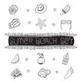 De de getrokken vectorsymbolen en voorwerpen van het de zomerstrand hand Stock Fotografie