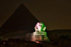 De de Gizapiramide en Sfinx, het Magische Geluid en het Licht tonen stock afbeeldingen