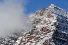 De de kastanjebruine piek en wolk van Klokken Royalty-vrije Stock Foto
