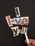 De de krantenbrief van de schuilnaam toont de liefde van I u Stock Afbeeldingen
