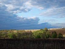 De de lentehemel vóór het onweer Royalty-vrije Stock Foto's