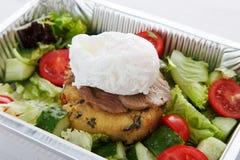 De de leveringsclose-up van het restaurantvoedsel, stroopte ei met vlees Royalty-vrije Stock Foto