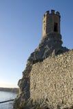 De de Meisjetoren en muur van het oosten van Devin-kasteel Royalty-vrije Stock Afbeeldingen
