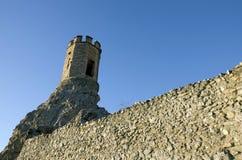 De de Meisjetoren en muur van het oosten van Devin-kasteel Royalty-vrije Stock Afbeelding