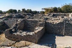 De de muur en poort van het Oosten in oude Troy stad Turkije royalty-vrije stock fotografie