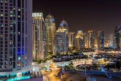 De de nachtscène van de binnenstad van Doubai Stock Foto