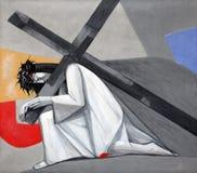 de 3de Posten van het Kruis, Jesus valt de eerste keer Royalty-vrije Stock Foto's