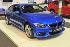 De 4de reeks van BMW bij de Autozaal 2014 wordt gelanceerd die van Boekarest Stock Foto
