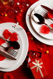 De de romantische Lijst en trouwringen van het Diner Stock Foto