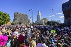 De de speciale gebeurtenis en Protesteerders van Vrouwenmaart rond Los Angeles Royalty-vrije Stock Afbeeldingen
