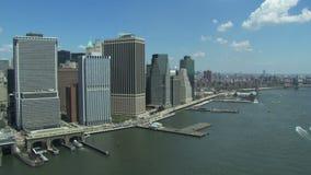De de stadsbouw van New York van water stock videobeelden