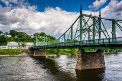 De de Straatbrug van Northampton over de Rivier van Delaware in Easton, stock afbeeldingen