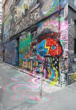 De de straatkunst van de Hosiersteeg is één van de belangrijkste toeristenaantrekkelijkheid in Melbourne Royalty-vrije Stock Foto's