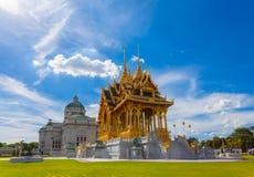 De de Troonzaal van Anantasamakhom is beroemd oriëntatiepunt in Bangkok, Thail royalty-vrije stock foto's