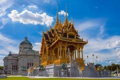 De de Troonzaal van Anantasamakhom is beroemd oriëntatiepunt in Bangkok, Thail royalty-vrije stock fotografie