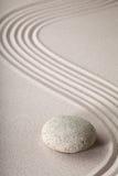 De de tuinsteen van Zen en rustige zand het patroon ontspannen royalty-vrije stock afbeelding