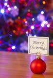 De de vrolijke snuisterij en boom van Kerstmis Stock Afbeeldingen