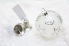 De decoratie en de klokken van Kerstmis Stock Afbeeldingen