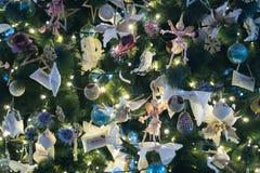 De decoratie van de Kerstmisviering de uitstekende winter als achtergrond Stock Foto