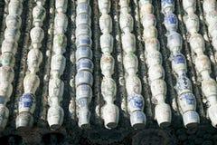 De decoratie van het dak met vaas. Stock Foto