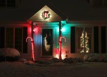 De decoratie van het wintertijdhuis in openlucht Stock Foto's