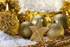 Dwerg hamster onder de decoratie van kerstmis stock afbeelding afbeelding 9810501 - Afbeelding van decoratie ...