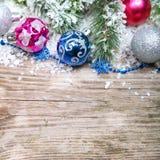 De decoratie van Kerstmis in de sneeuw Stock Afbeeldingen