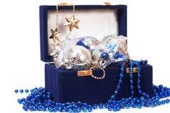 De decoratie van Kerstmis in doos Royalty-vrije Stock Afbeelding