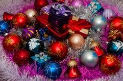 De decoratie van Kerstmis en de giften van Kerstmis Royalty-vrije Stock Afbeelding