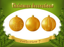 De decoratie van Kerstmis Inzameling van gouden glasballen Stock Fotografie