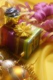 De decoratie van Kerstmis met giftdoos Stock Fotografie
