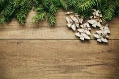 De decoratie van Kerstmis met houten achtergrond Stock Fotografie