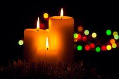 De decoratie van Kerstmis met kaarsen Royalty-vrije Stock Afbeeldingen
