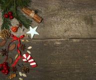 De decoratie van Kerstmis met koekjes Stock Foto